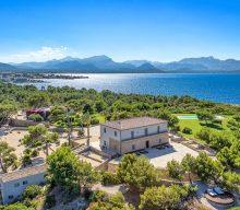 Top Waterfront Mediterranean Villas