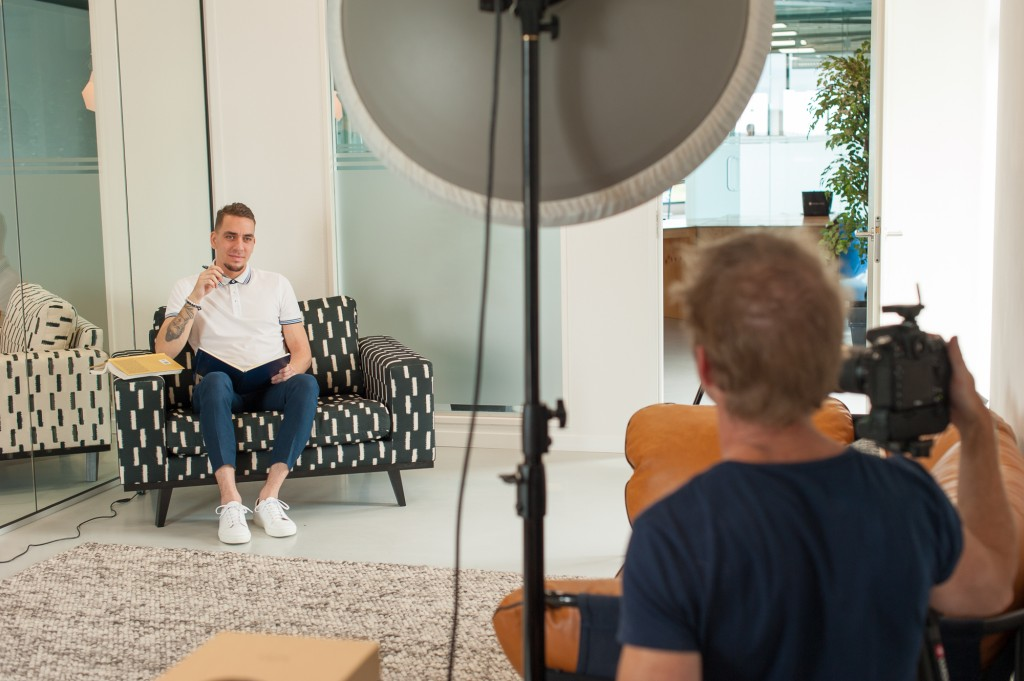 September 17, Cover and Cover Story Photo Shoot. The Making-Of-7