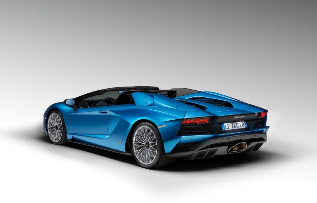 The Roadster Maintains The Unmistakable Design Of The Aventador S Along  With Unique Features Reflecting Its Roadster Persona: A Combination Of  Distinctive ...