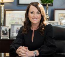 Elisabeth Dawson Helps Create Richer Tomorrows