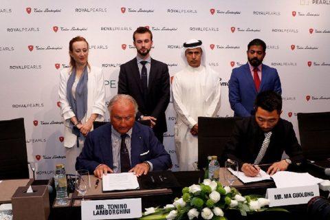 Ma Guolong, CEO of Oriental Pearls (right) and Tonino Lamborghini, President Tonino Lamborghini s.p.a. signing the landmark agreement in Dubai