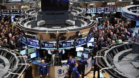 Financial Stocks Gain In US: Dow and S&P 500 Report Hikes