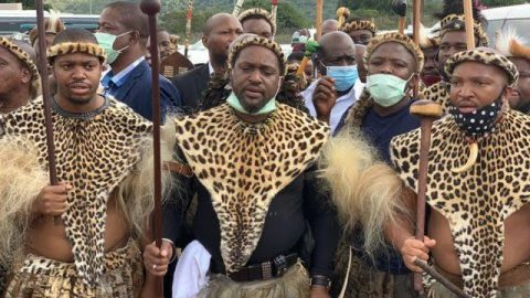 We welcome the commitment of Zulu monarch to restore calm and condemn riotous behaviour!!